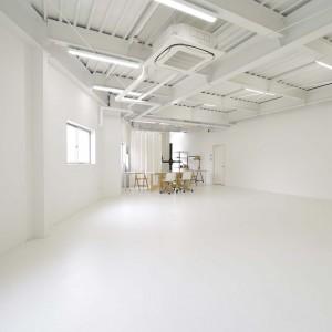 スタジオホワイトベース