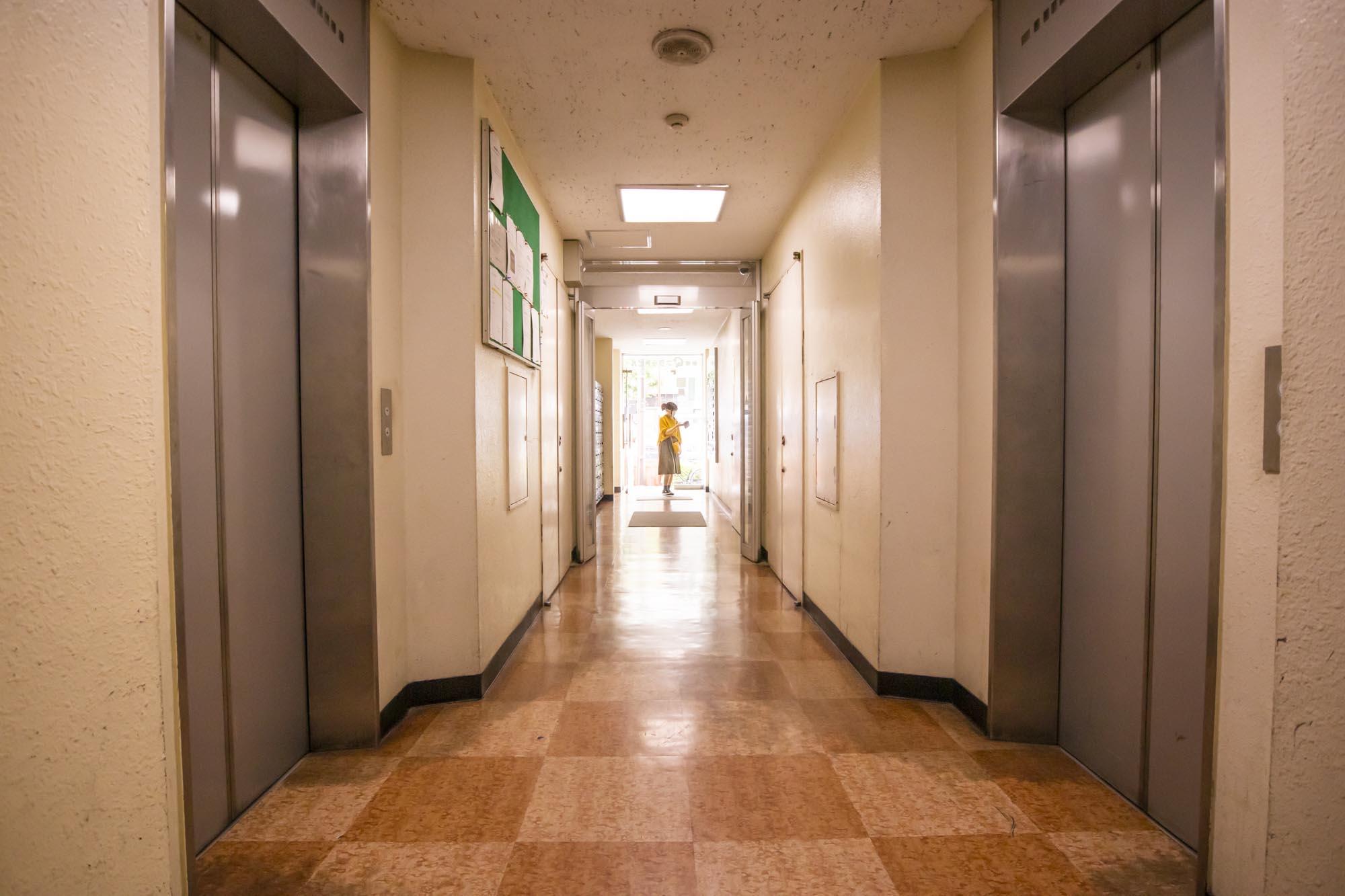 エレベーター2機台車搬入可能